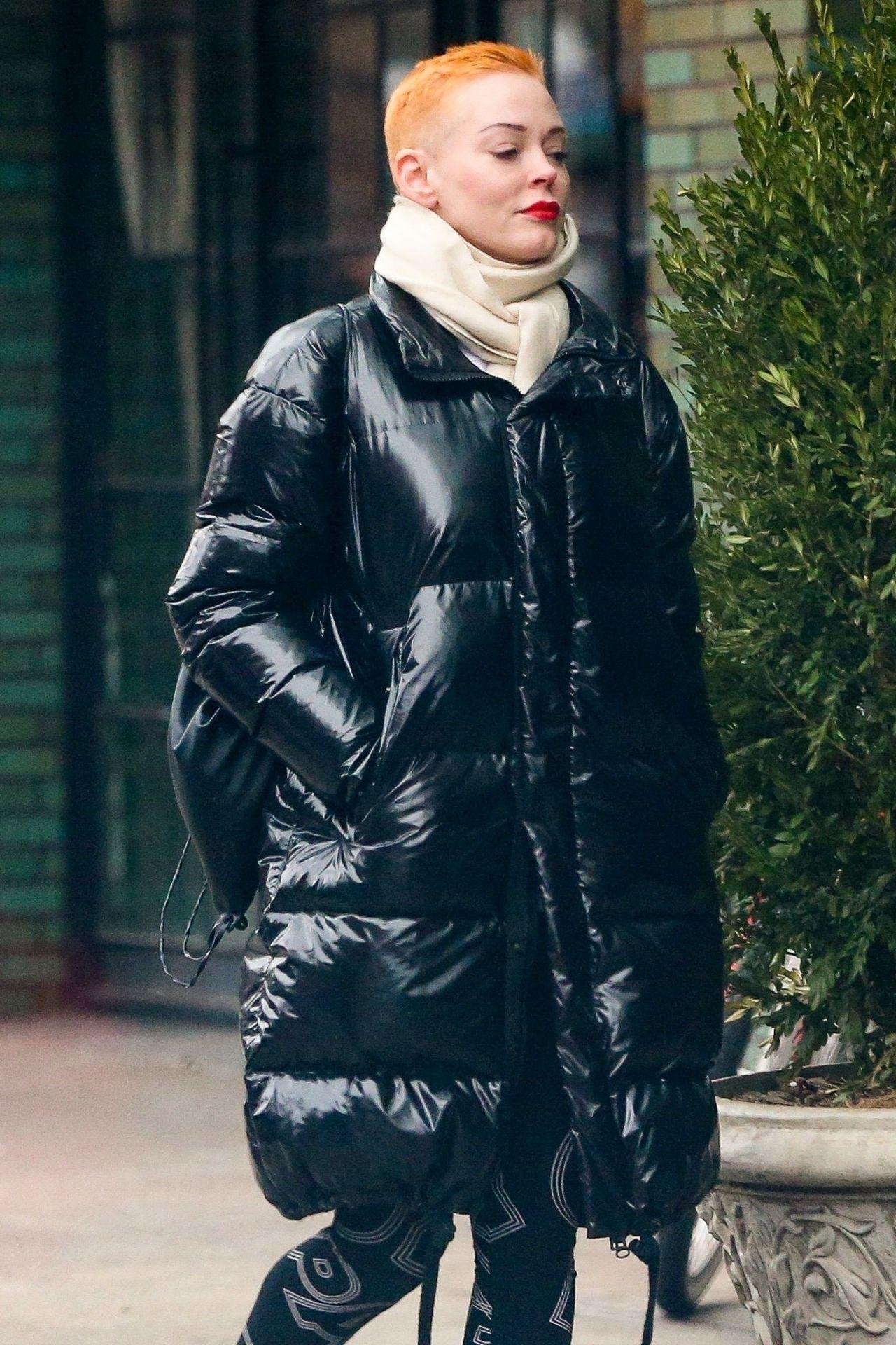 Rose Mcgowan Winter Street Style 01 23 2019