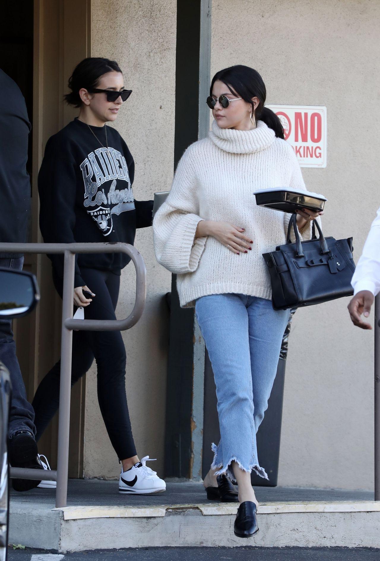 Selena Gomez Street Style 12/31/2018