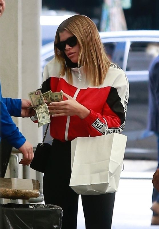 Sofia Richie in Casual Outfit - Beverly Hills 01/10/2019