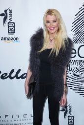 Tara Reid – Cool HeART Gallery Launch in LA
