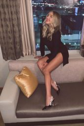 Veronica Dunne - Personal Pics 01/02/2019