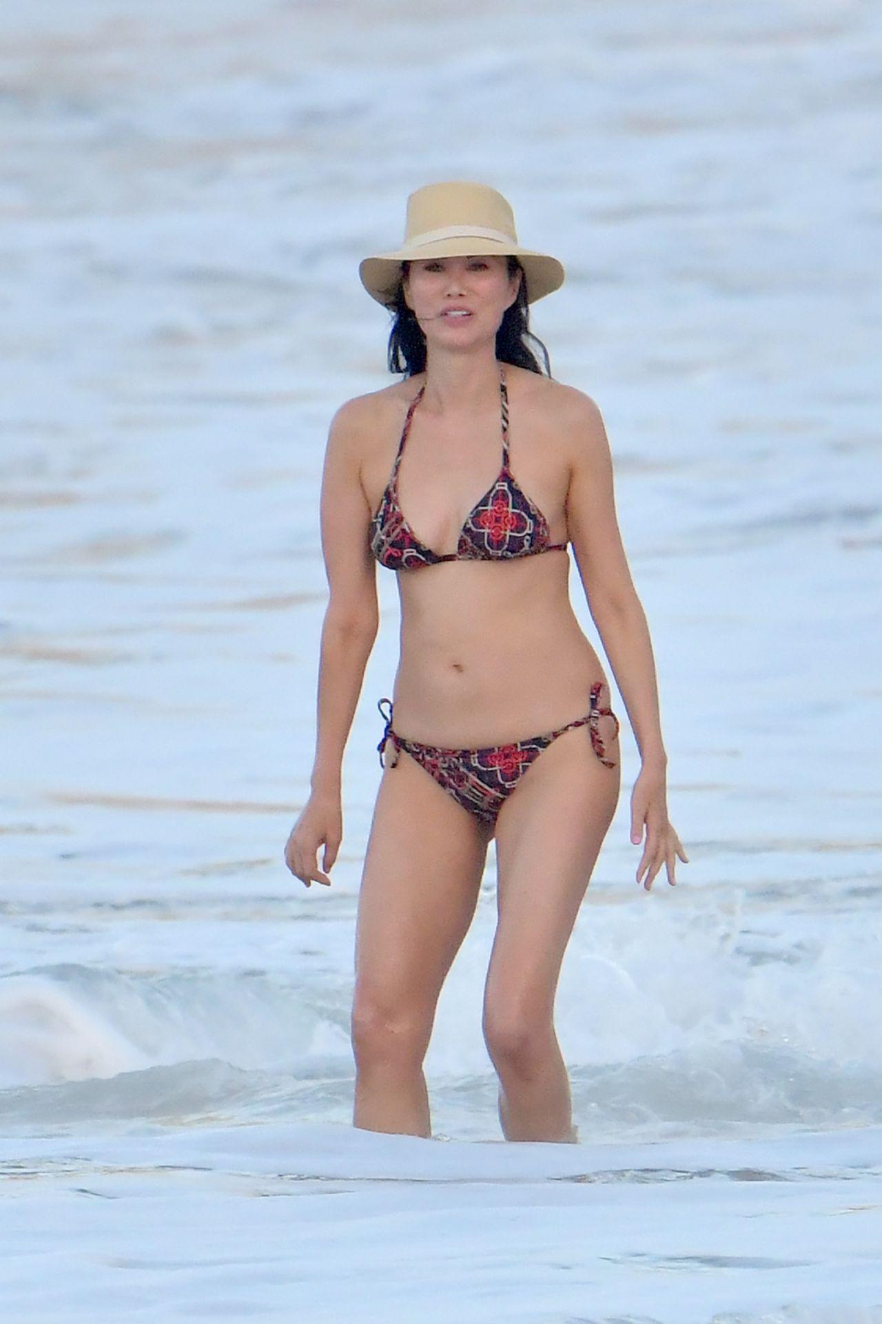 Wendi Deng Murdoch Bikini Nude Photos 59