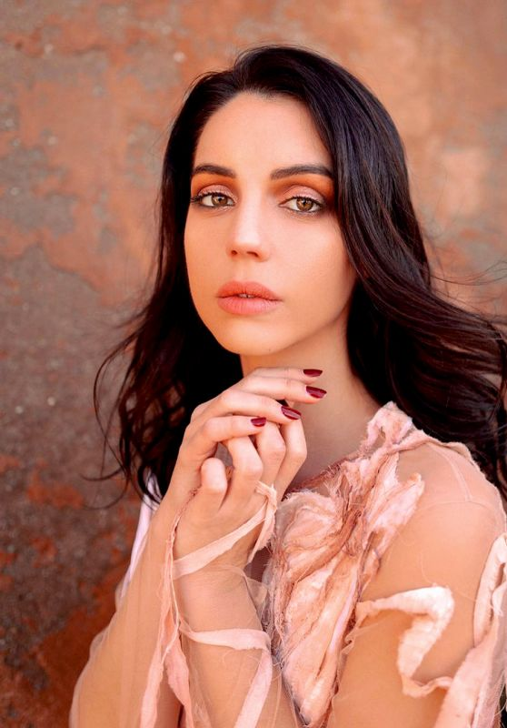 Adelaide Kane – Photoshoot February 2019 Part III