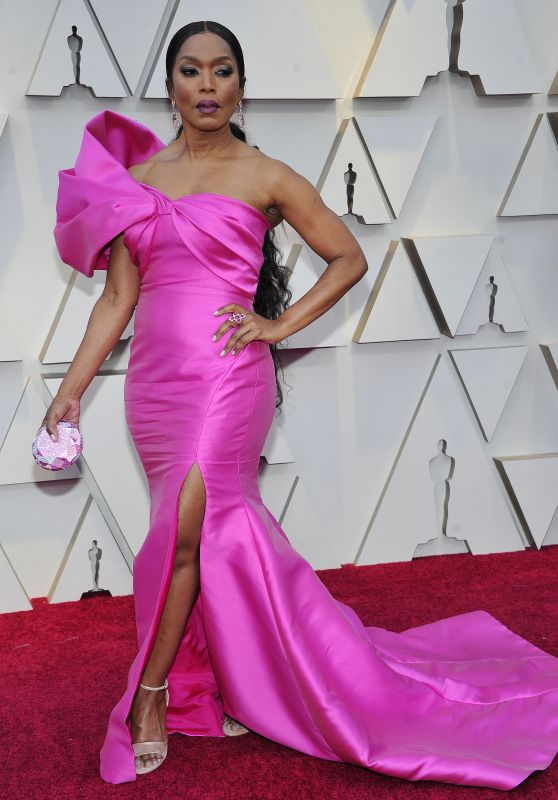 Angela Bassett – Oscars 2019 Red Carpet