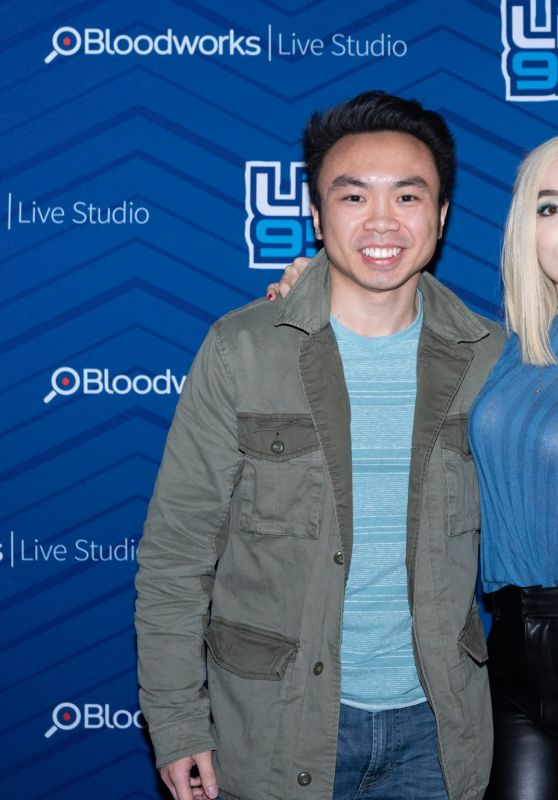 Ava Max Pose With Her Fans During Backstage At The