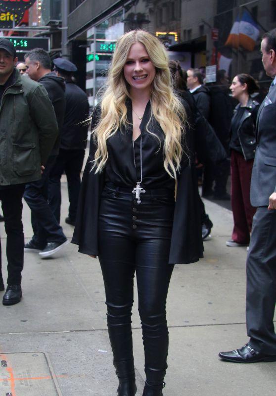 Avril Lavigne - Outside GMA in NYC 02/15/2019