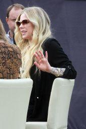 "Avril Lavigne - Visits ""Extra"" 02/27/2019"