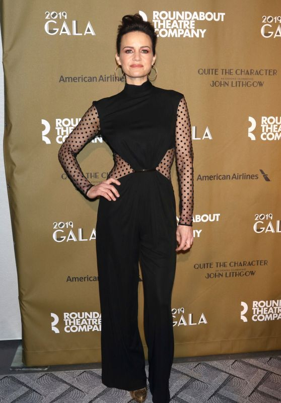 Carla Gugino – Roundabout Theatre Company 2019 Gala in NY