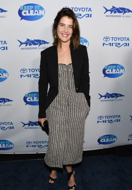 Cobie Smulders – Keep It Clean Live Comedy in LA 02/21/2019