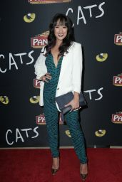 "Courtney Reed – ""Cats"" Opening Night Performance in Hollywood"