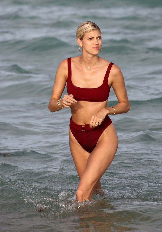 Devon Windsor in a Red Bikini on the Beach in Miami 02/23/2019