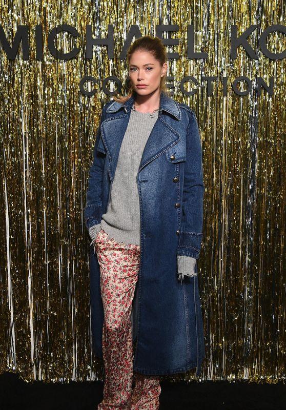 Doutzen Kroes – Michael Kors Fashion Show in New York City 02/13/2019