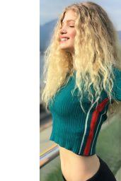 Elena Kampouris - Personal Pics 02/01/2019