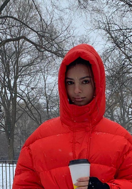 Emily Ratajkowski - Personal Pics 02/12/2019