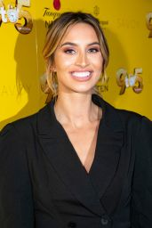 """Ferne McCann – """"9 to 5 The Musical"""" Gala Evening in London 02/17/2019"""