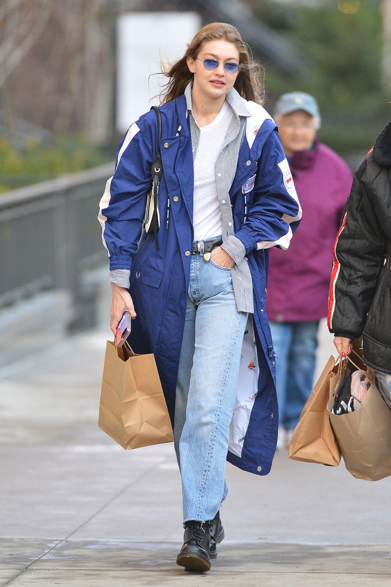 9be73c65ce73f2 Gigi Hadid Street Style 02/03/2019