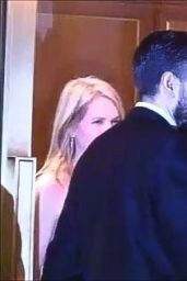 Gwyneth Paltrow Exits Sunset Tower Hotel Hollywood Thumbnail