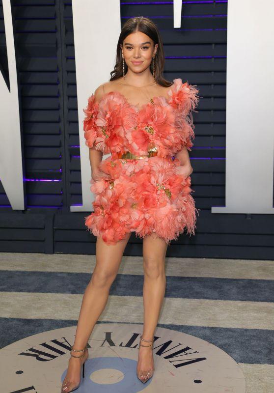 Hailee Steinfeld – 2019 Vanity Fair Oscar Party