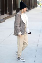 Hailey Baldwin Trendy Style 02/26/2019