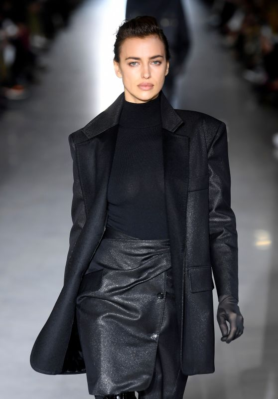 Irina Shayk Walks Max Mara Show at Milan Fashion Week 02/21/2019