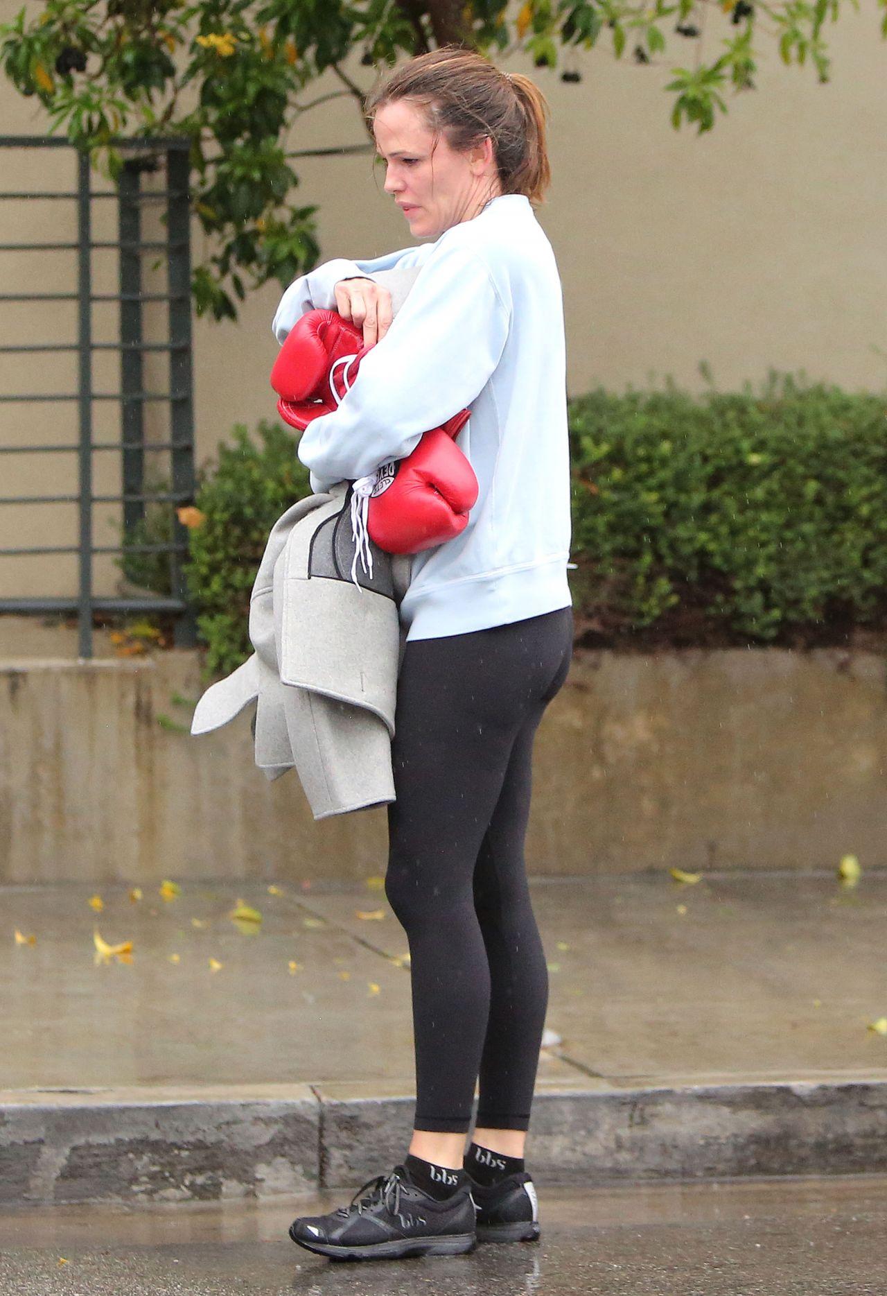 Jennifer Garner Leaving A Boxing Class In La 02 14 2019