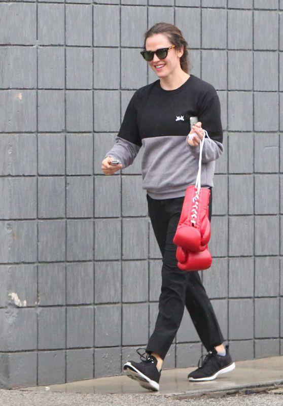 Jennifer Garner - Out in Santa Monica 01/31/2019