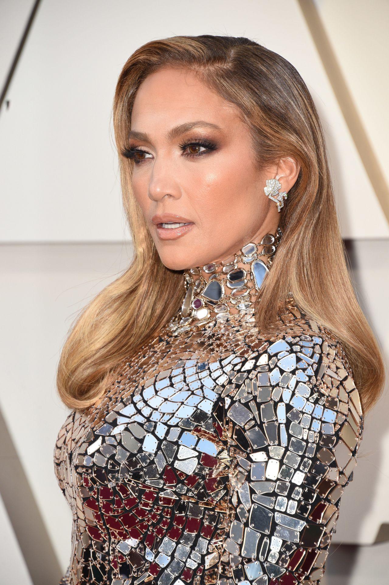 Jennifer Lopez - Oscars 2019 Red Carpet • CelebMafia