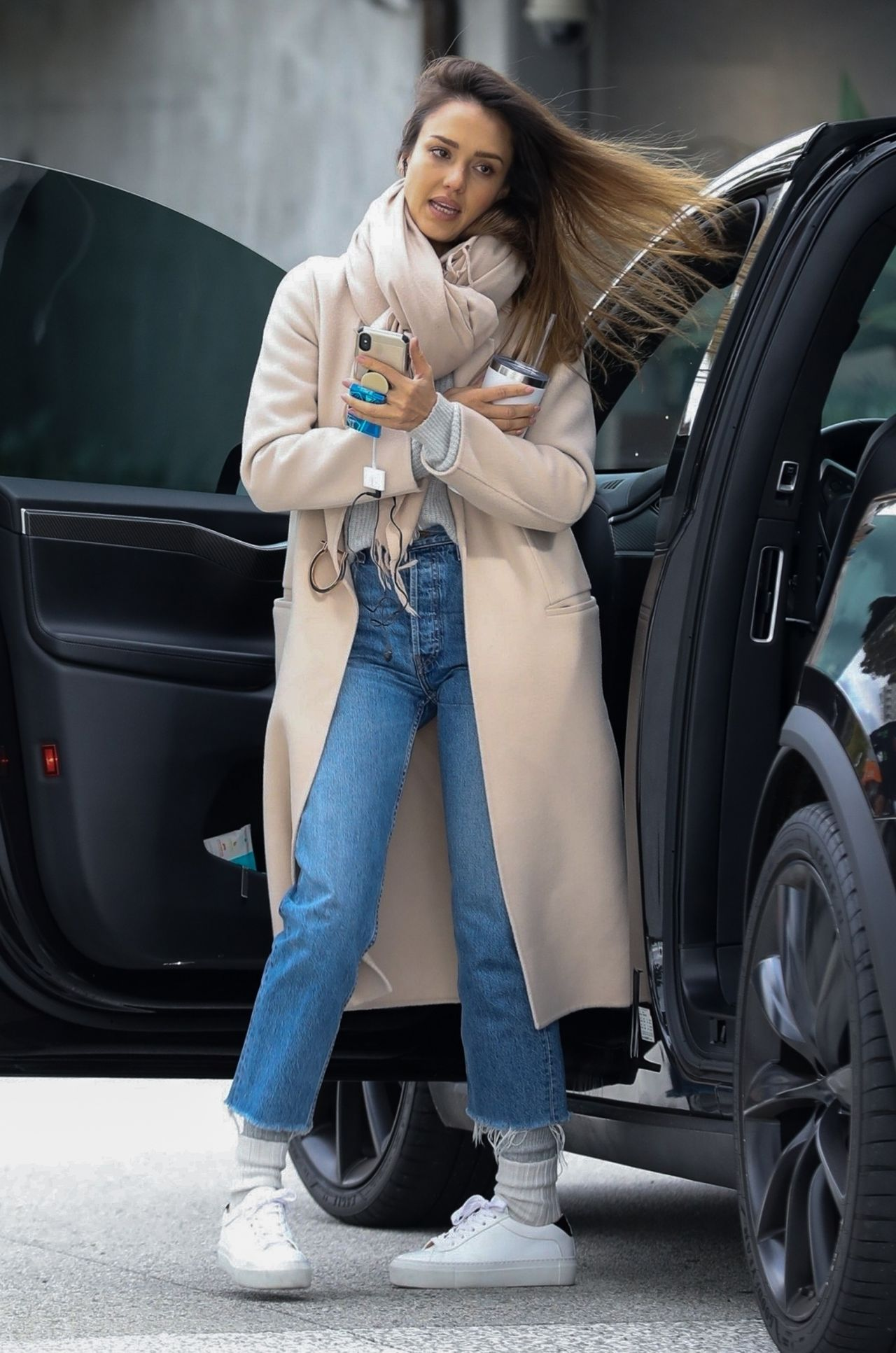 Jessica Alba Shopping In Los Angeles 02 01 2019