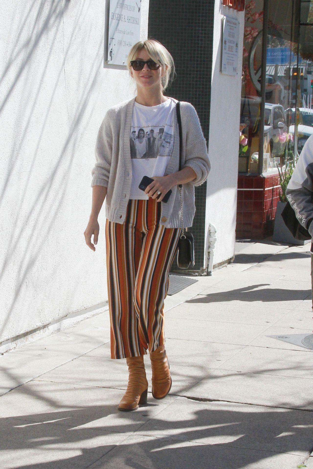 Julianne Hough Casual Style 02 23 2019