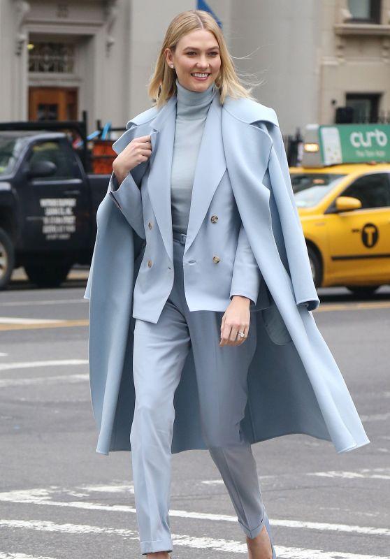 Karlie Kloss - Arriving at the Ralph Lauren Show in New York 02/07/2019
