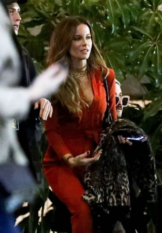 Kate Beckinsale - Elton John