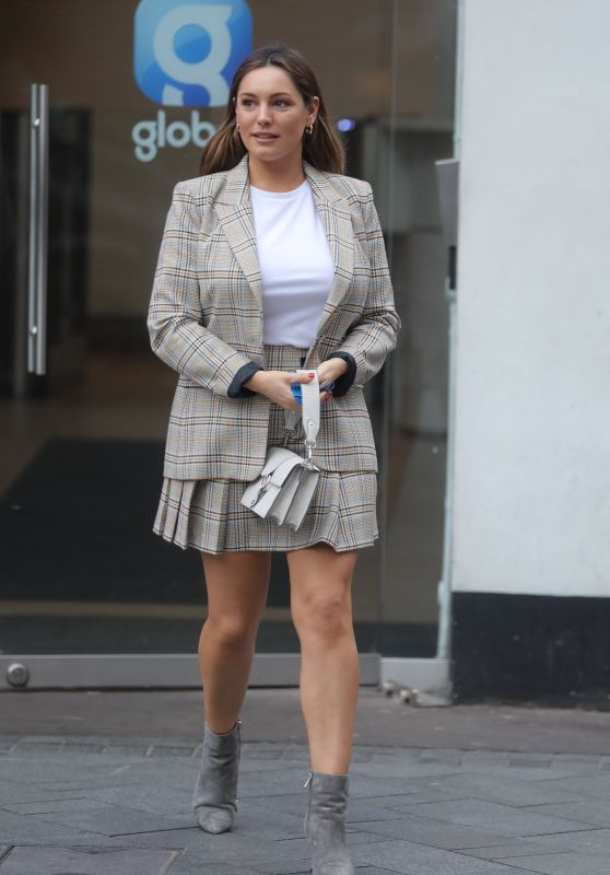 Kelly Brook in a Mini-Skirt and Matching Top 02/18/2019