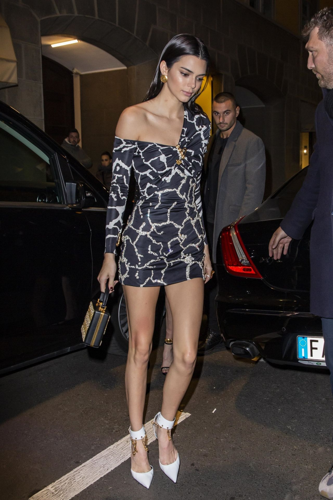 Kendall Jenner Night Out Style Milan 02 22 2019