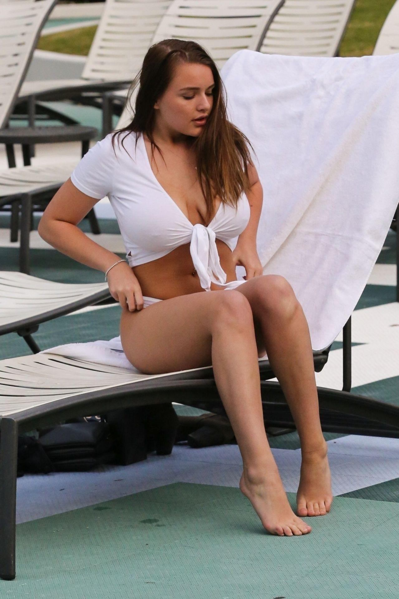 Kendra Rowe In Bikini 02262019-7782