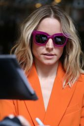 Kristen Bell - Out in New York City 02/25/2019