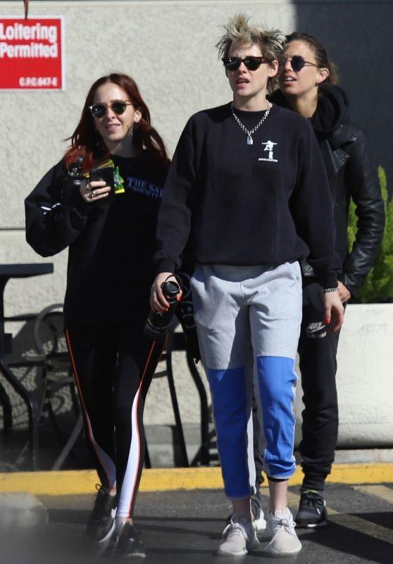 Kristen Stewart and Sara Dinkin - Out in Los Feliz 02/08/2019