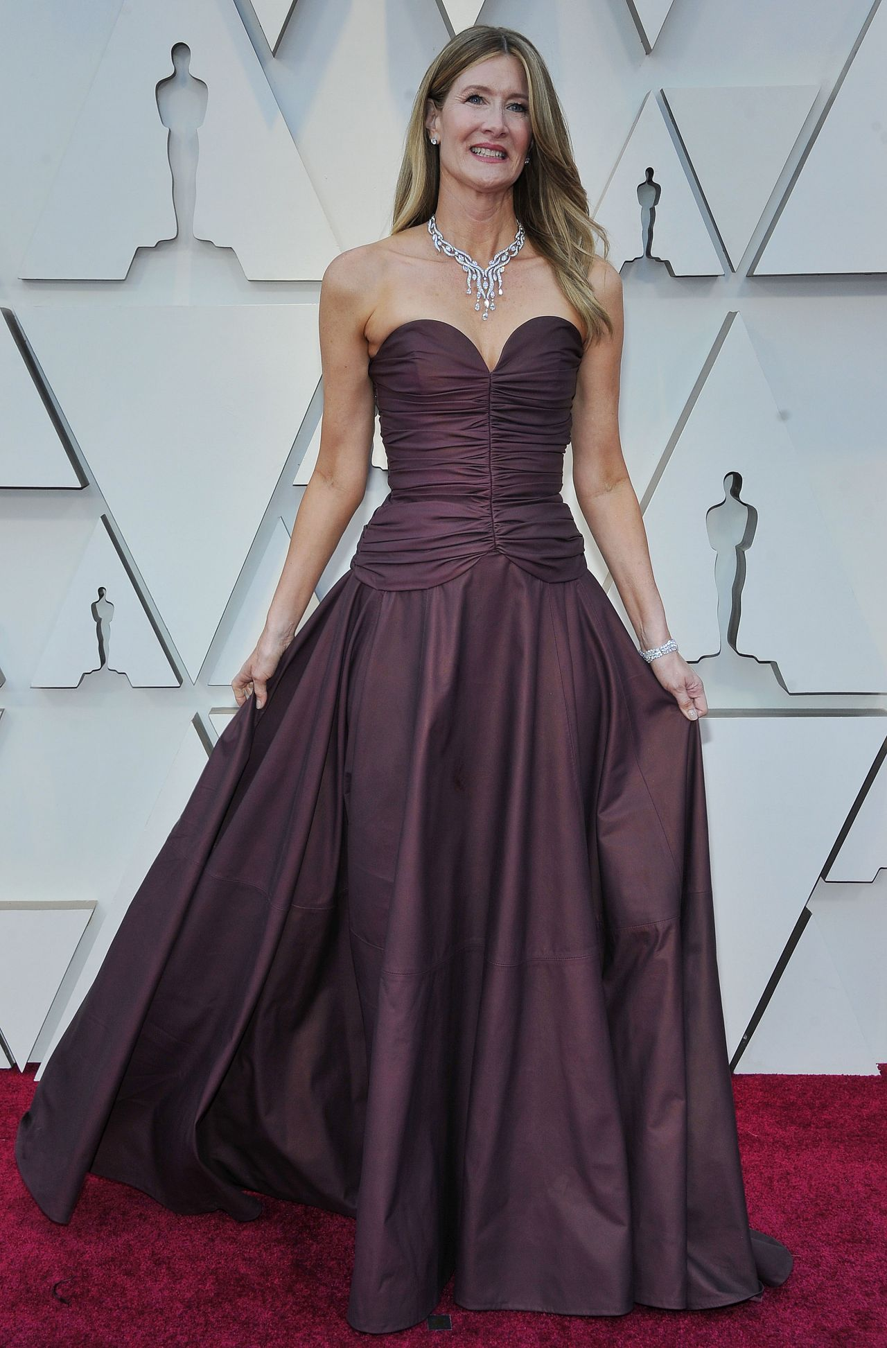 Laura Dern Oscars 2019 Red Carpet