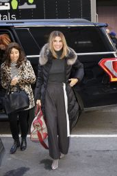 Lori Loughlin - Arriving at the Today Show in NYC 02/14/2019