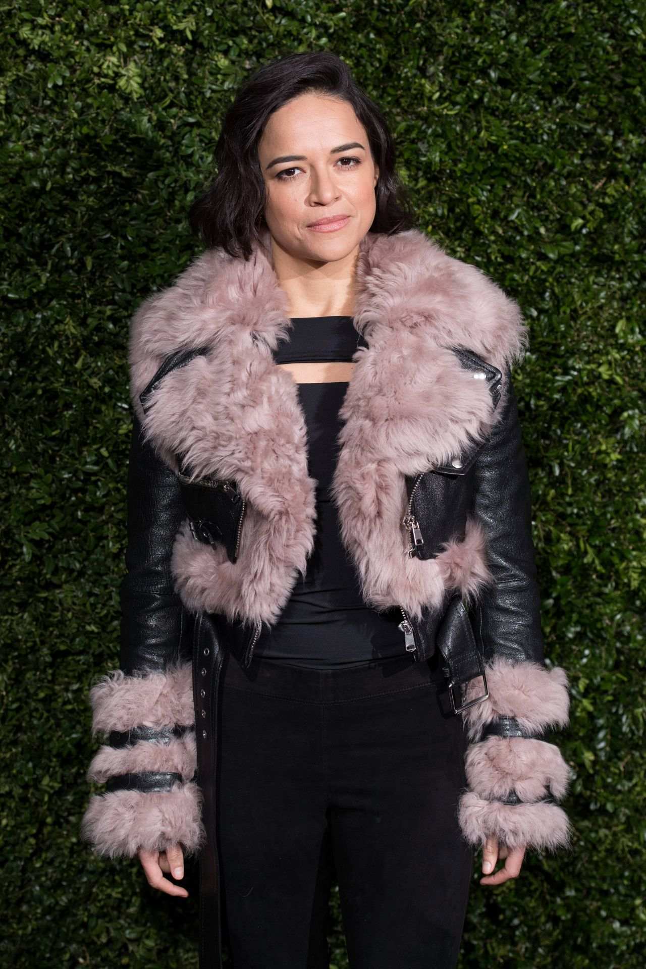 https://celebmafia.com/wp-content/uploads/2019/02/michelle-rodriguez-charles-finch-x-chanel-pre-bafta-dinner-in-london-02-09-2019-12.jpg