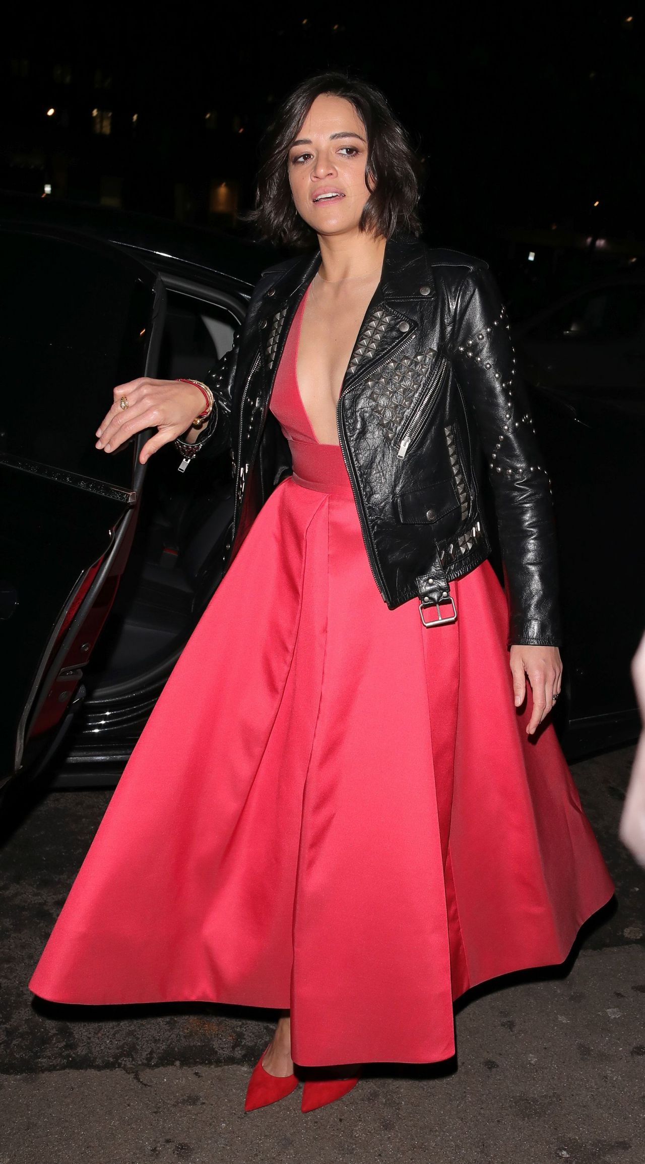 https://celebmafia.com/wp-content/uploads/2019/02/michelle-rodriguez-vogue-bafta-party-02-10-2019-5.jpg