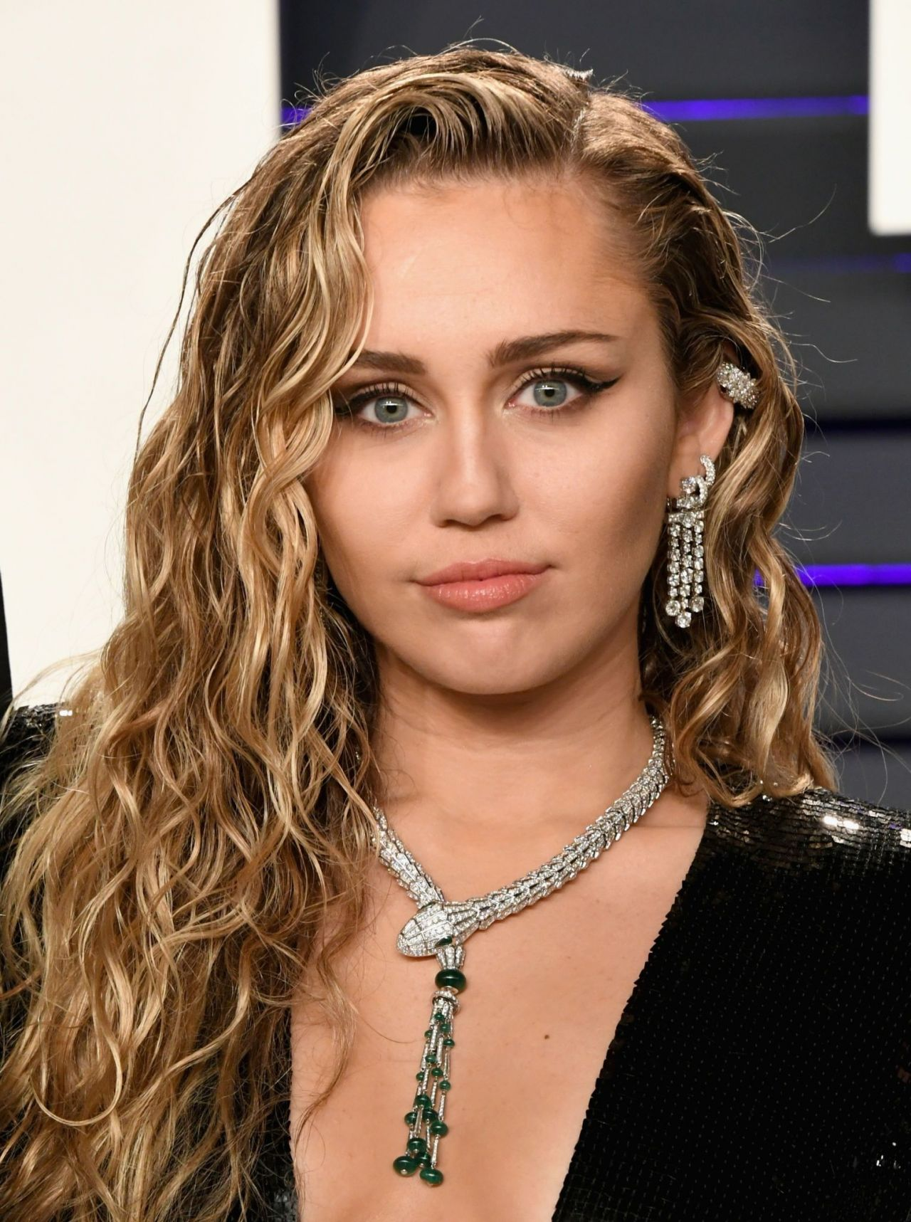 Miley Cyrus | Hair and Makeup at the 2019 Grammys ...