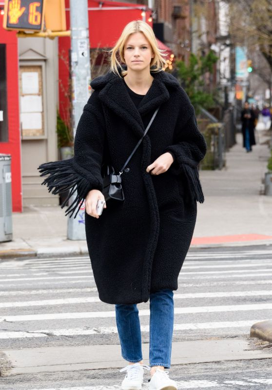 Nadine Leopold Street Style - New York City 02/07/2019