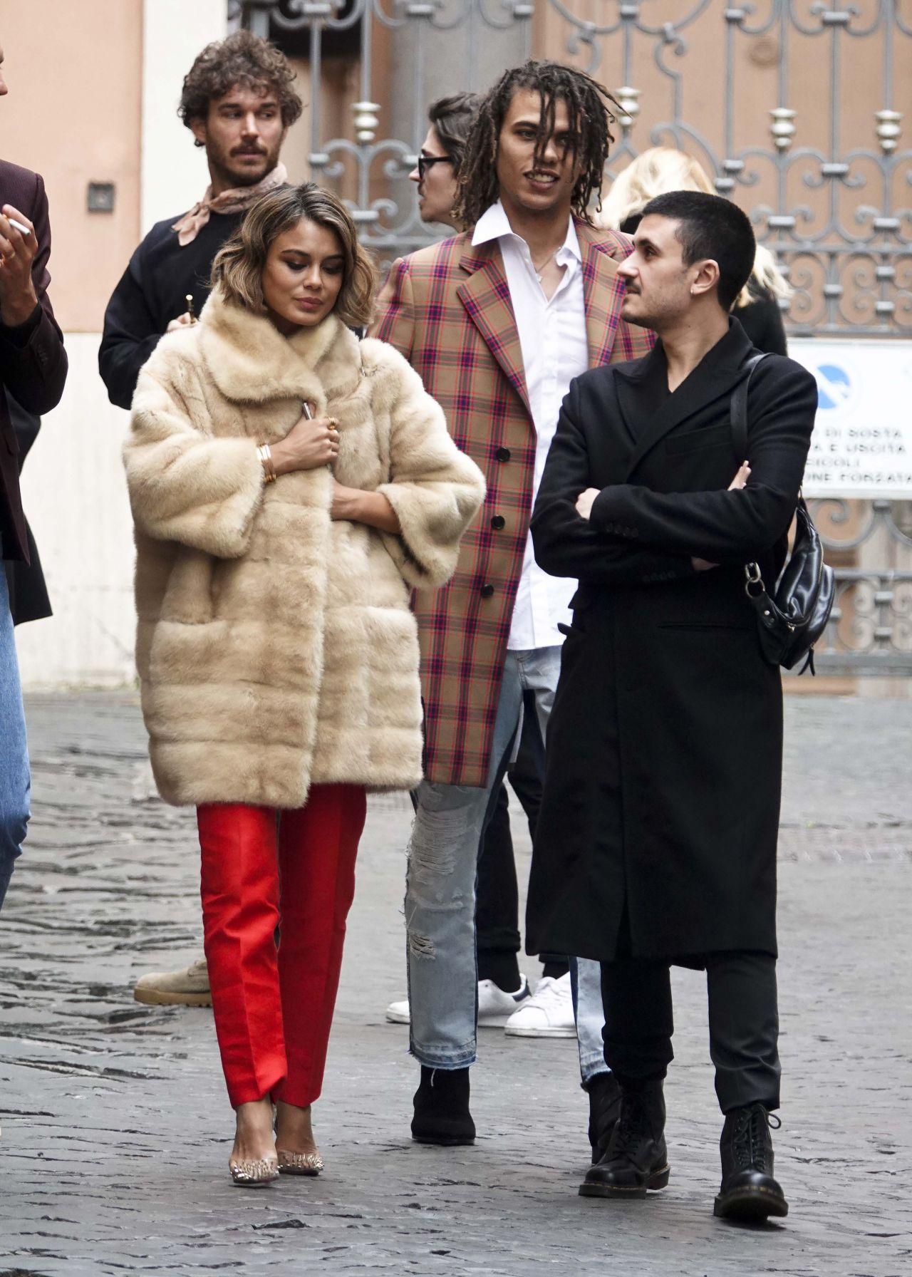 19 Stylish Fall Outfits Worth Copying: Nathalie Kelley Street Fashion