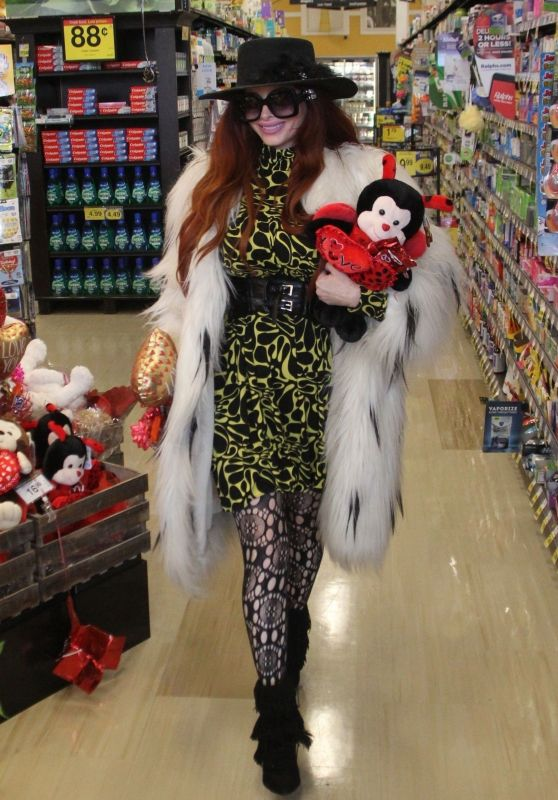 Phoebe Price - Shops for Valentine