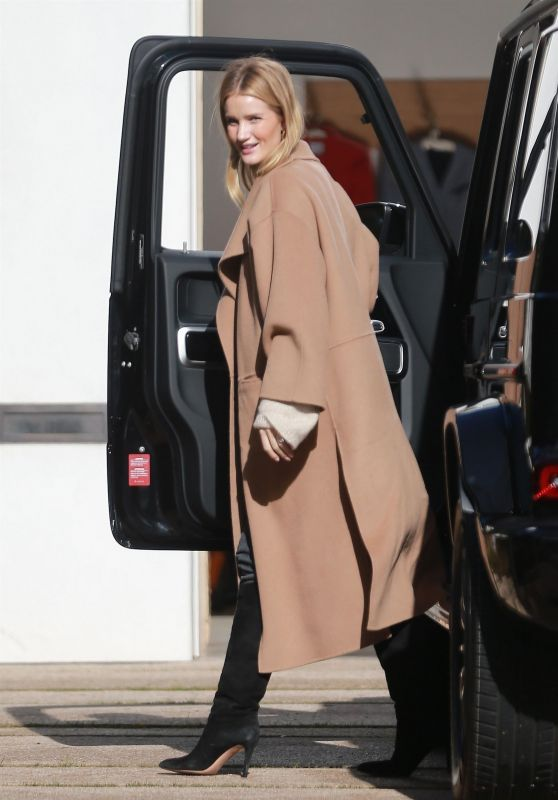 Rosie Huntington-Whiteley - Visits a Friend in Beverly Hills 02/21/2019