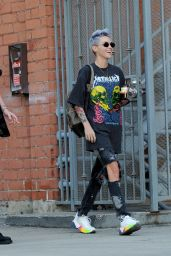 Ruby Rose - Shows Off a New Color Hairdo 01/31/2019