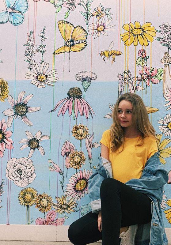 Ruby Rose Turner - Personal Pics 02/06/2019