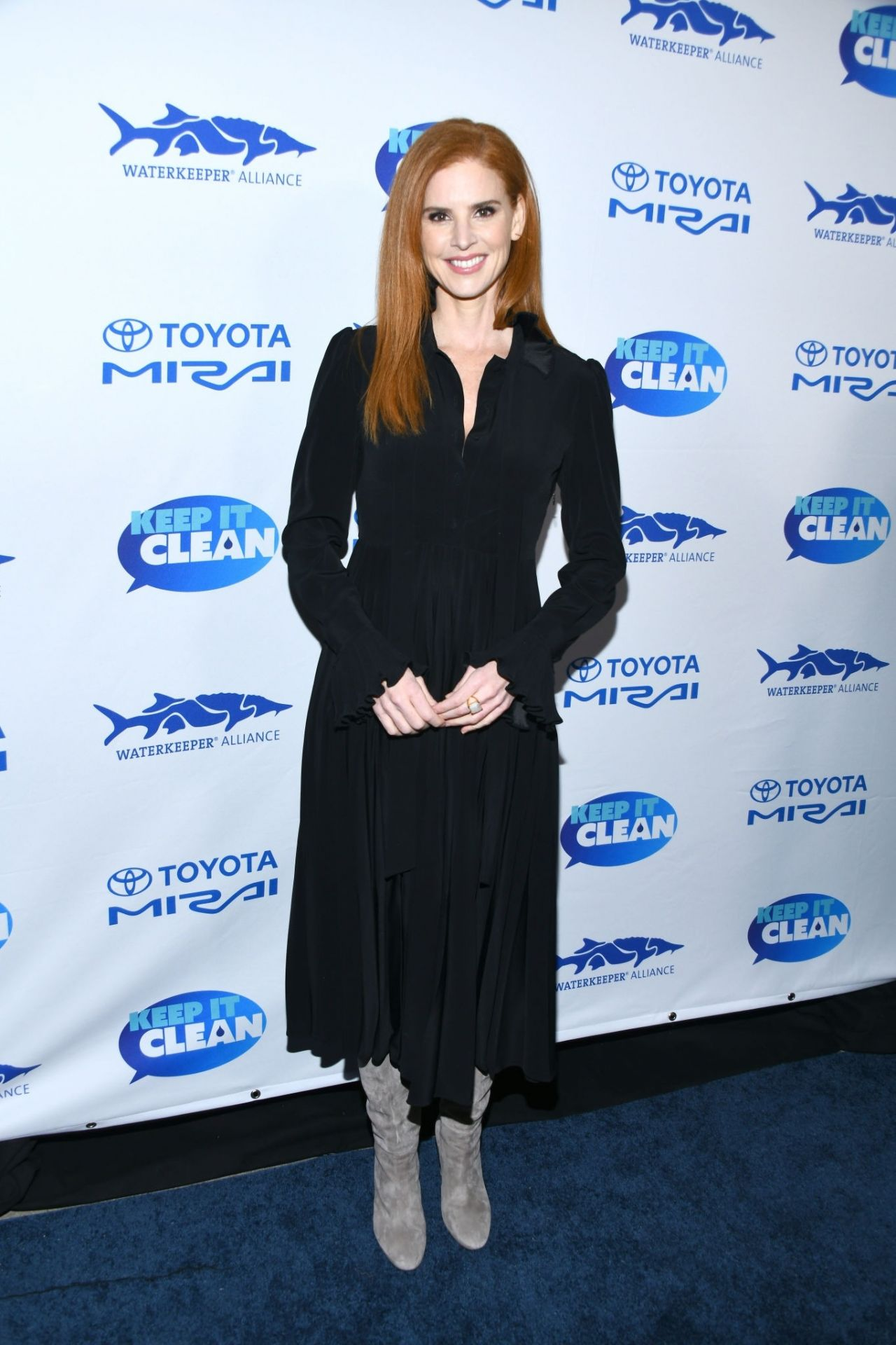 Sarah Rafferty gorgeous at some benefit for clean water