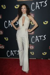 """Sofia Milos – """"Cats"""" Opening Night Performance in Hollywood"""