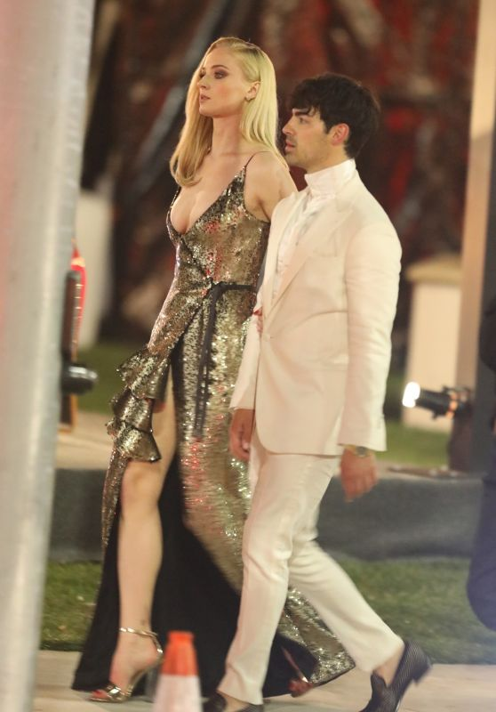 Sophie Turner and Joe Jonas - Outside Vanity Fair Oscar Party 02/24/2019